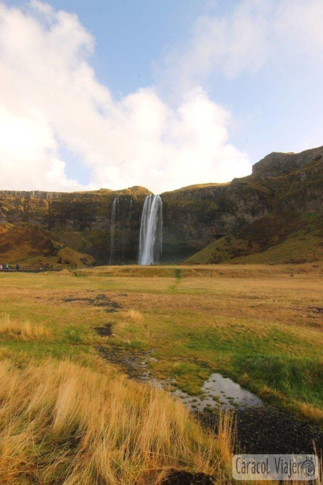 Cascadas en Islandia Seljalandsfoss