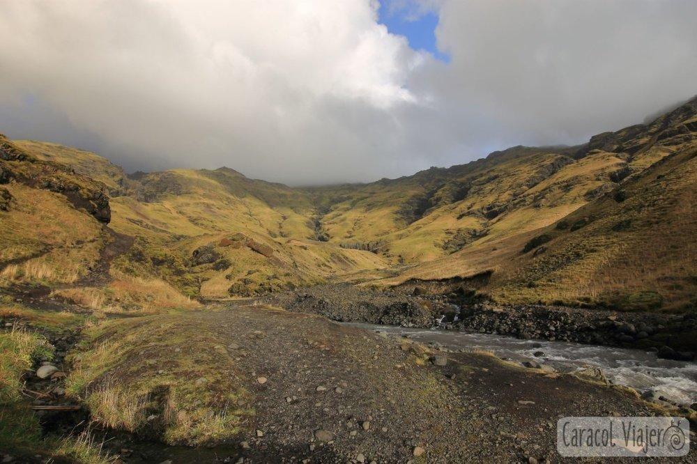 Seljavallalung valle en sur Islandia