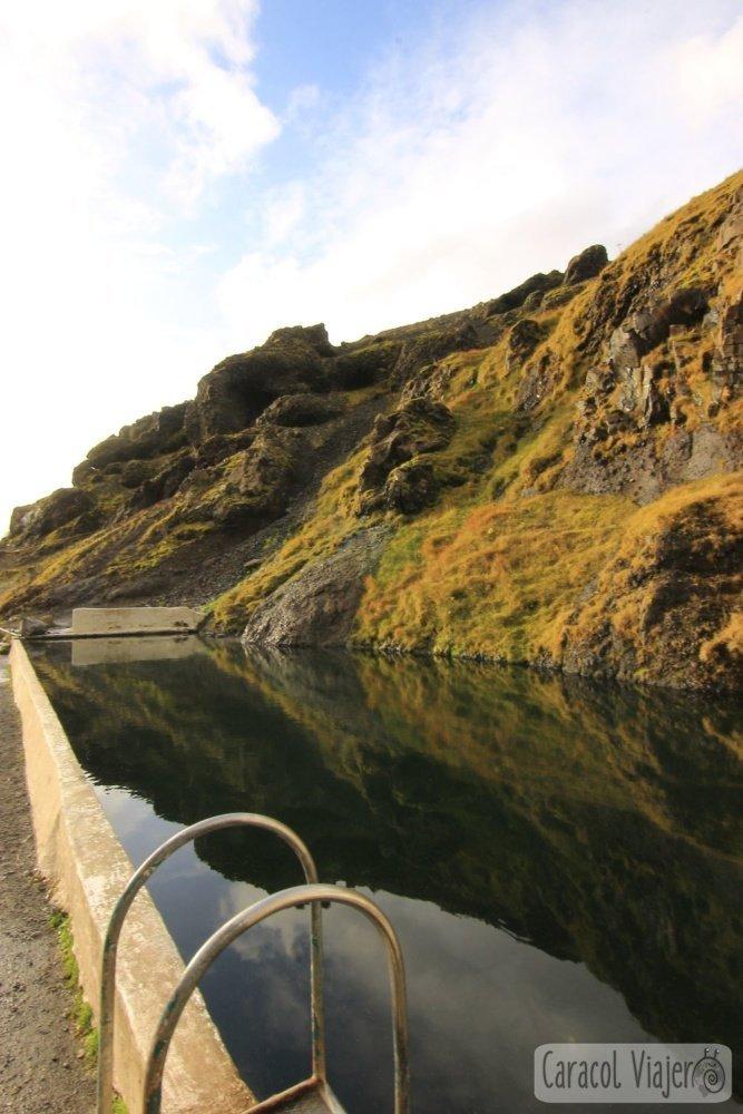 Seljavallalung piscina en Islandia