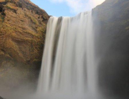 ¡Cascadas impresionantes al sur de Islandia: Gluggafoss y Skógafoss!