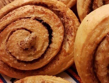 ¿Cómo hacer rollos de canela suecos?