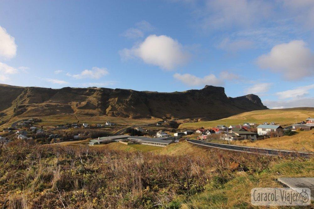 Vík í Mýrdal pueblo en Islandia