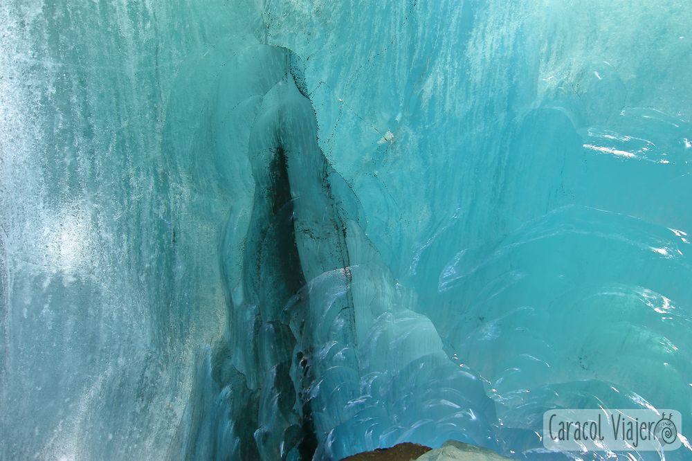Interior cueva en Islandia