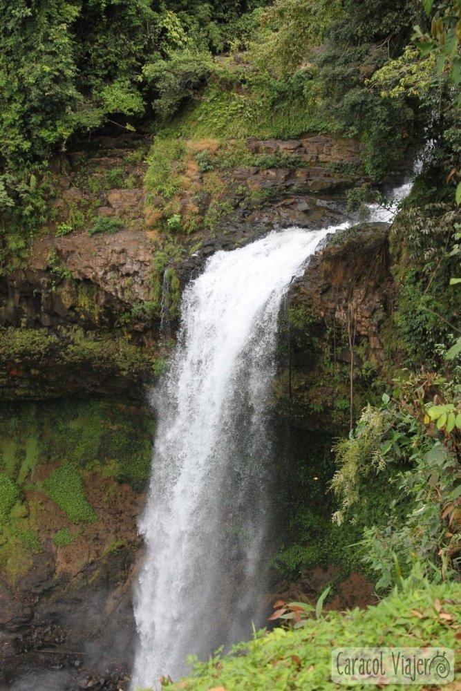Cascada E-Tu Alojamiento en Laos