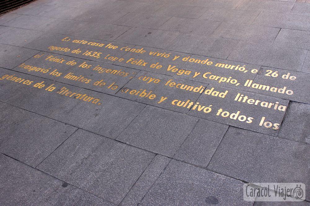 Leer párrafos en el Barrio de las letras Madrid