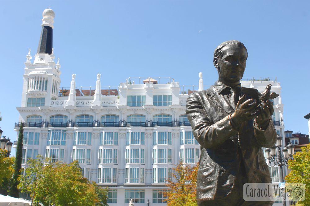 Federico Garcia Lorca en Plaza Santa Ana- Hotel Me
