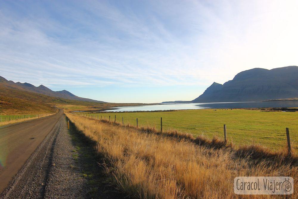 Carreteras entre los fiordos islandeses