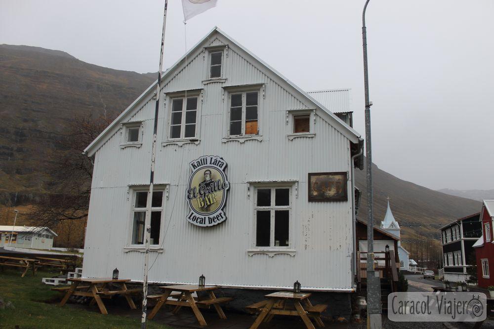 El Grillo bar en los fiordos islandeses