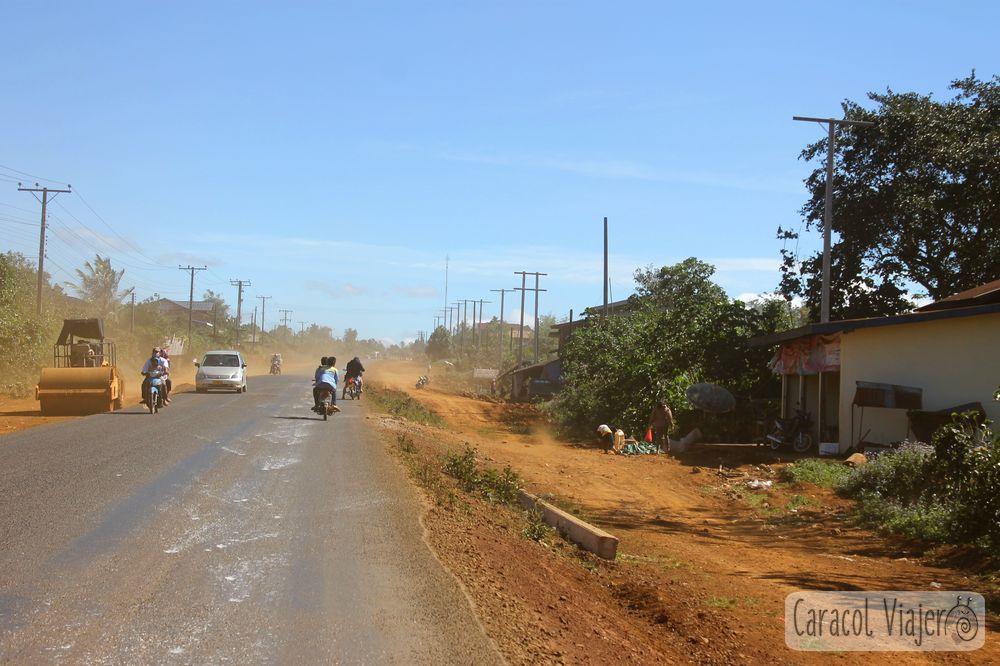 Bolaven Plateau polvo carretera