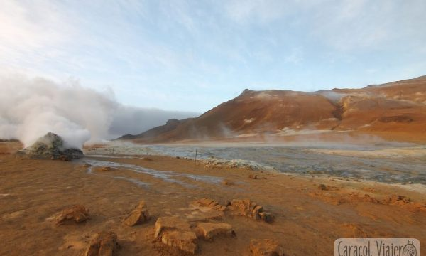 ¿Qué ver en Islandia? ¡Cráteres, paisajes extraterrestres y lunares!