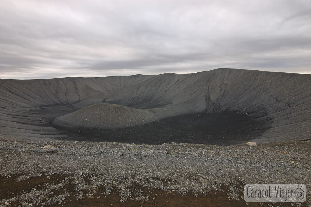El anillo de Hverfjall, volcán en Islandia