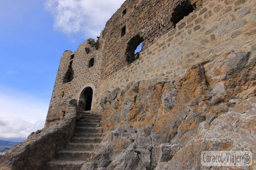 Castillo Quéribus entrada