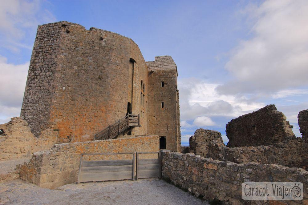 Interior del castillo de Quéribus