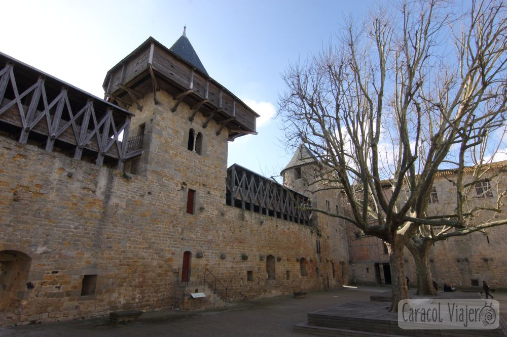 Carcasona interior de la ciudadela y castillo