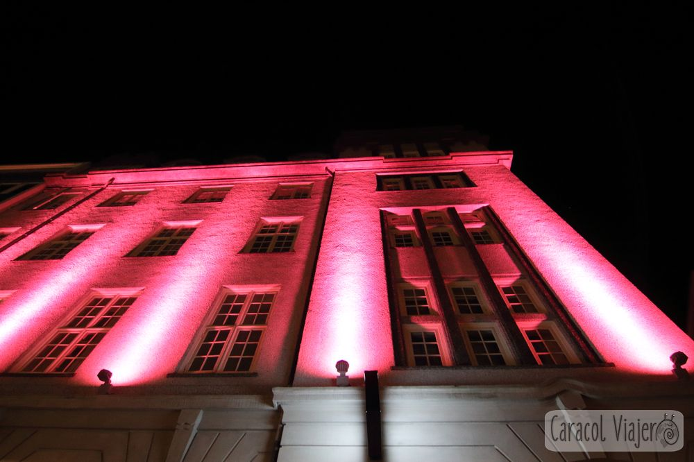 Los edificios iluminados de Reikiavik