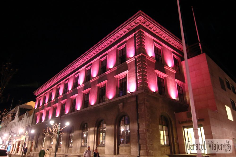 Reikiavik edificios de noche