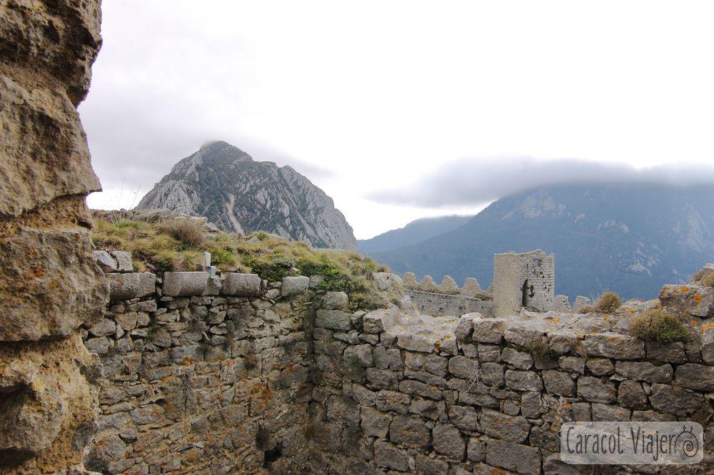 Castillo de Puilaurens en la ruta del sur de Francia