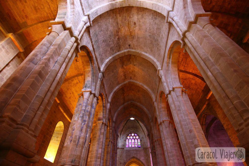 Abadía de Fontfroide, interior