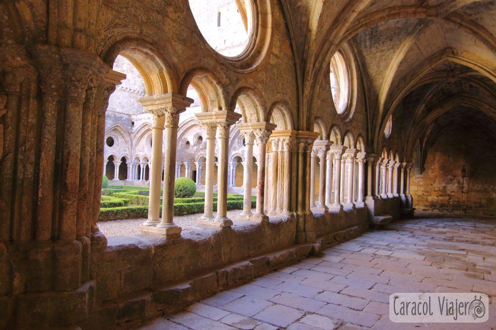 Ruta de los cátaros: Claustro abadía de Fontfroide