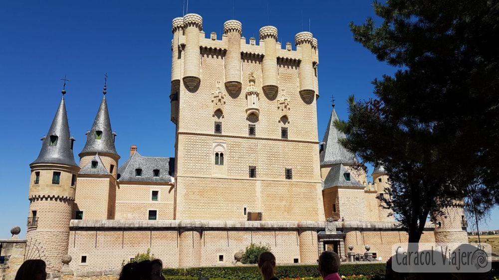 Palacio de cuento de hadas Segovia exterior