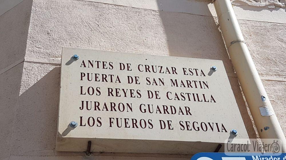 Puerta de San Martín cartel