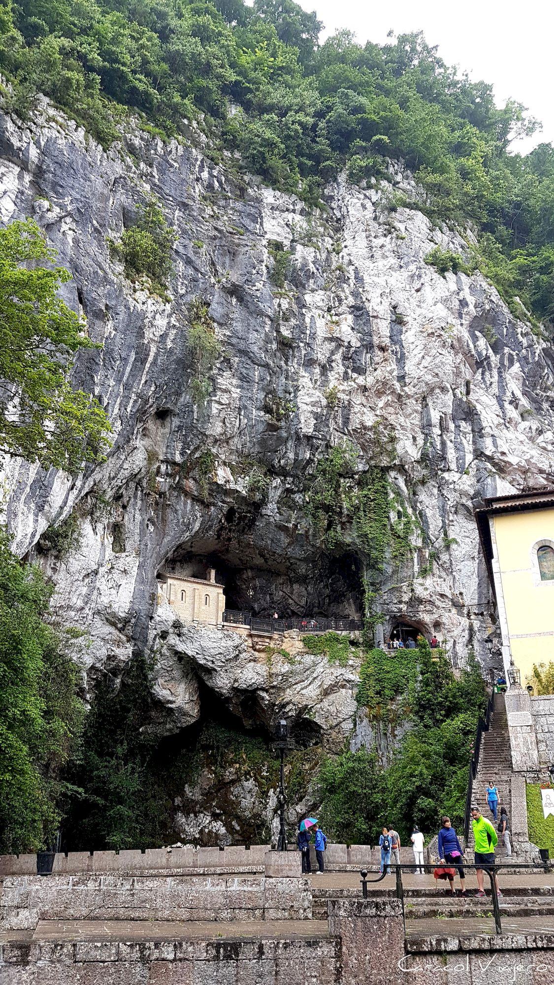 Asturias - Santa Cueva de Covadonga
