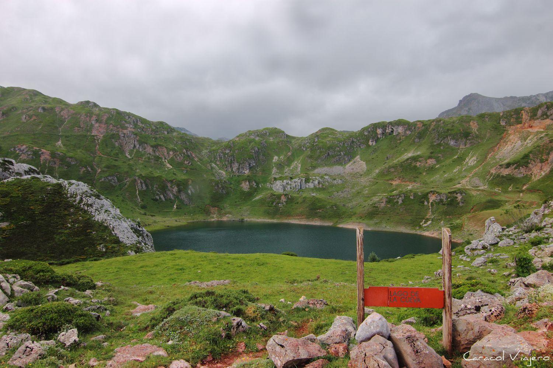 Lago de Cueva en Somiedo Asturias - Parque natural de Somiedo