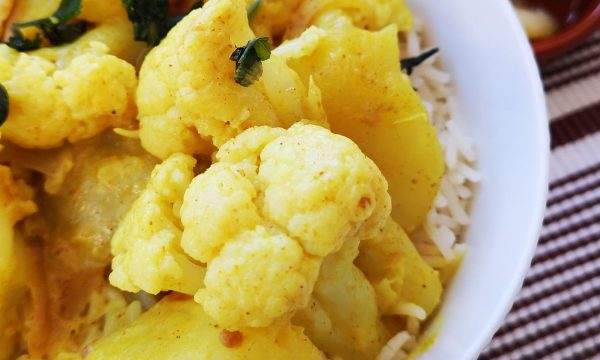 Aloo Gobi: patatas y coliflor al curry hindú