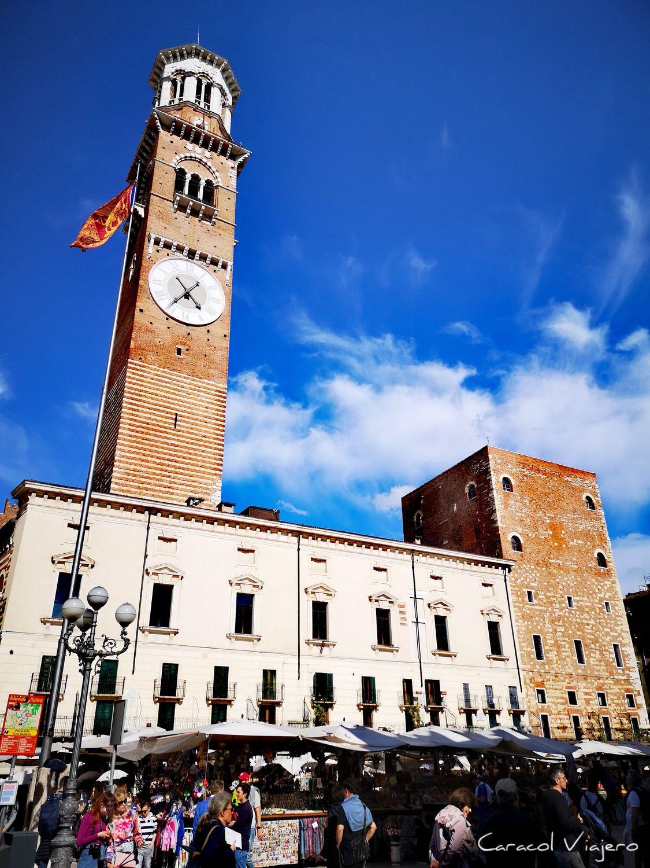 Torre Lamberti plaza delle Herbe