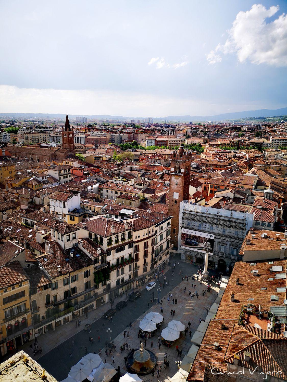 Piazza delle Herbe - Verona