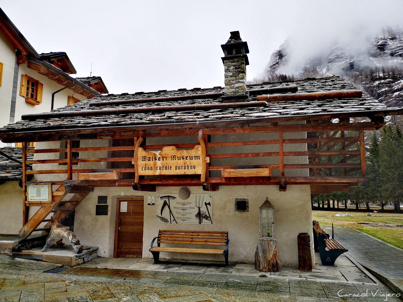 Tache - Walser museo