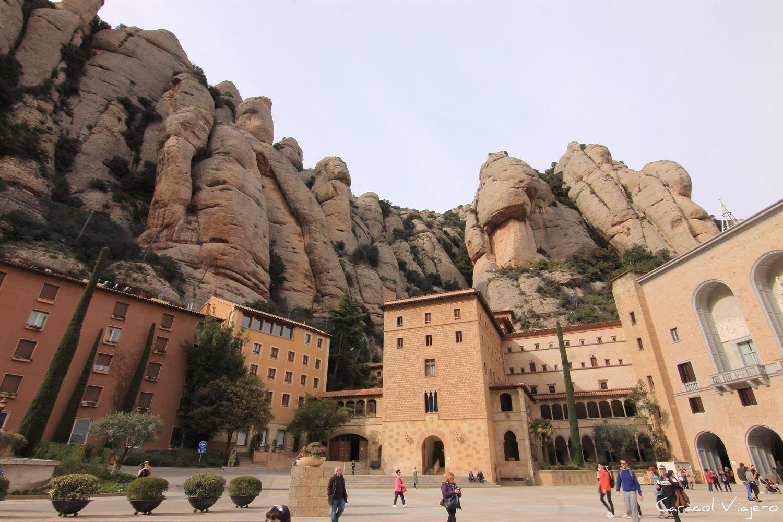 Lugares imprescindibles que ver en España: Macizo de Montserrat