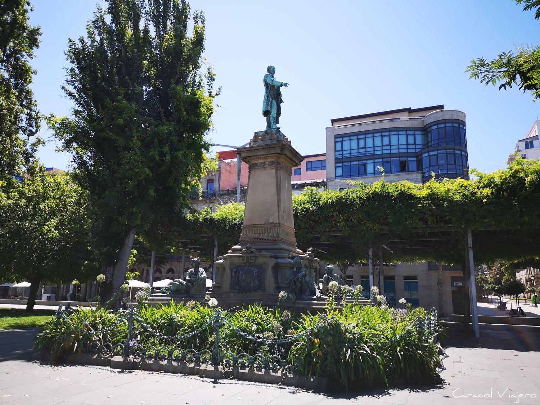 Vigo: Elduayen estatua