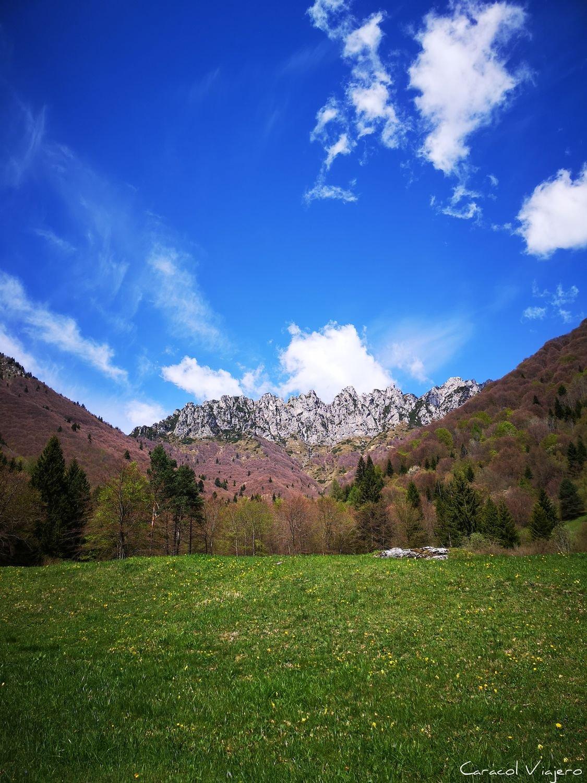 Excursiones en Riva del Garda: las montañas de colores