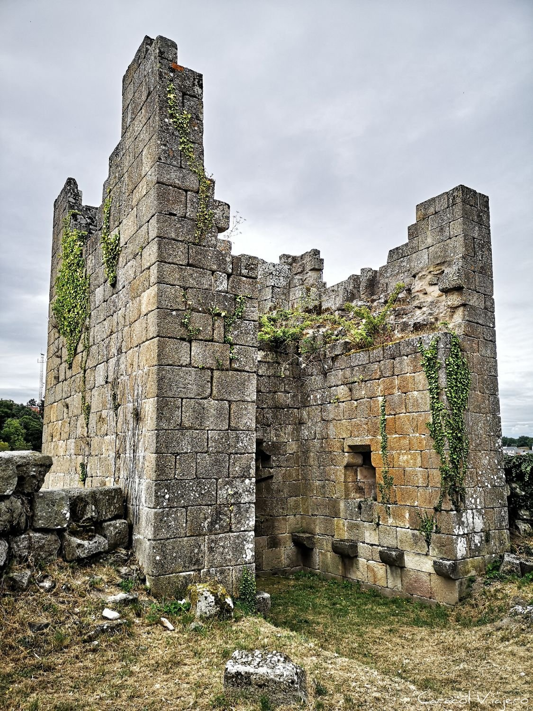 Castro Caldelas castillo