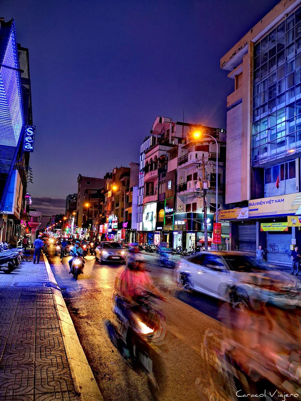 La noche en Saigón
