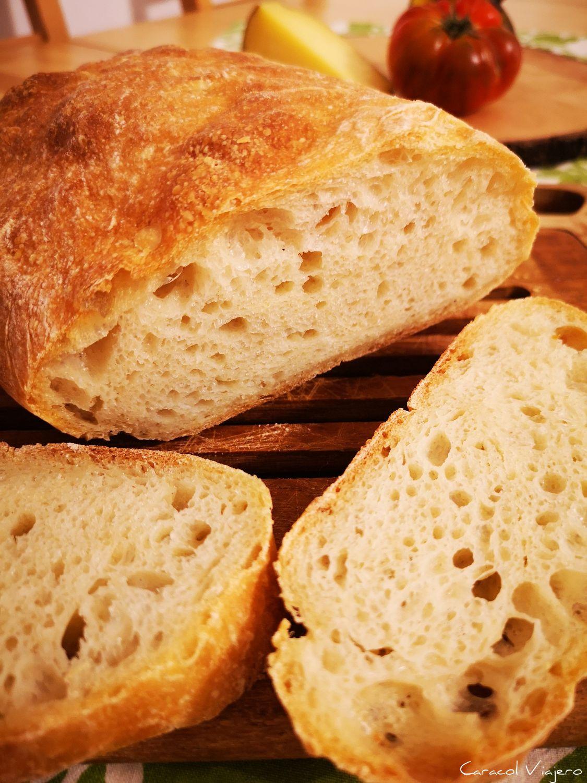 Pan de chapata italiano con masa madre
