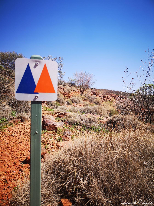 Senderismo en el outback australiano