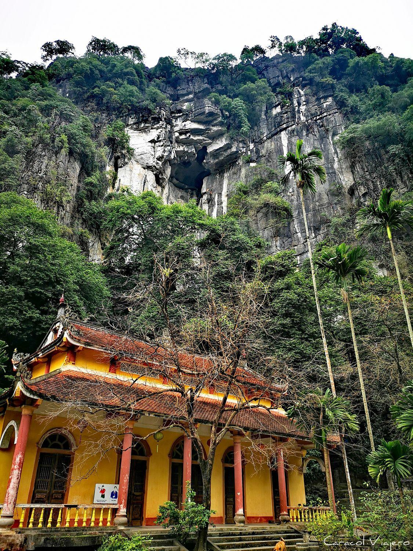 Vietnam: pagodas