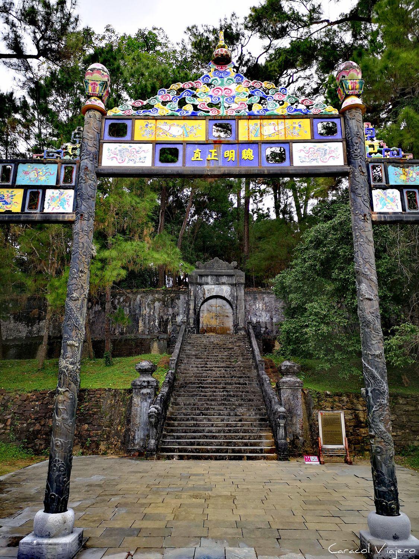 Entrada tumba de Minh Mang