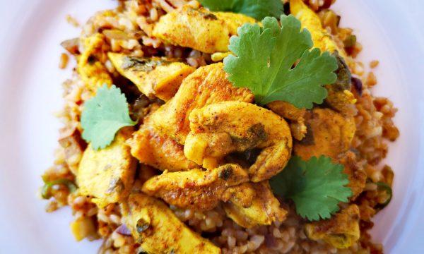Pollo especiado con lima y cilantro al estilo libanés