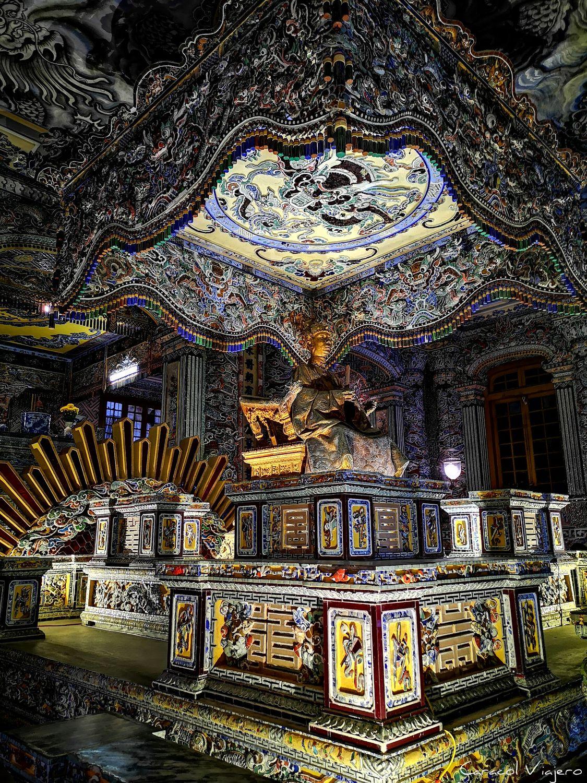 Palacio de Thien Dinh interior