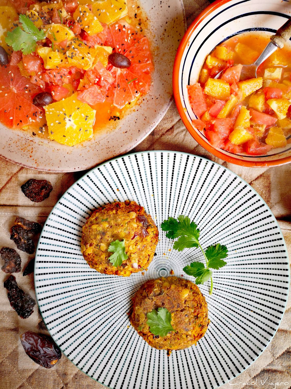 Hamburguesas de garbanzos veganas con dátiles y tomates secos